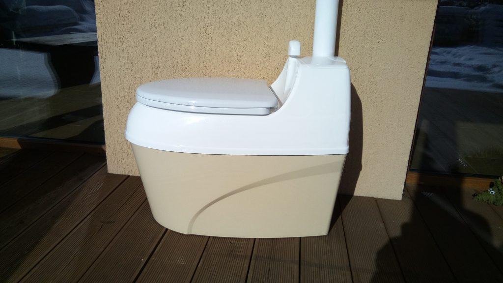 Kokybiškas durpinis tualetas